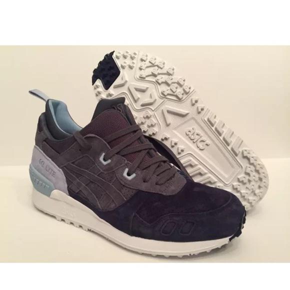 05ae8788bd21dc ASICS GEL LYTE MT Carbon Light Gray Running Shoes